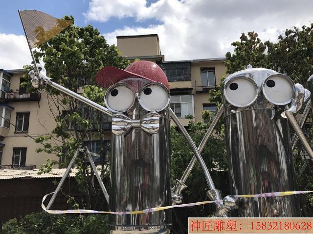 不锈钢小黄人雕塑,街景创意雕塑 (3)