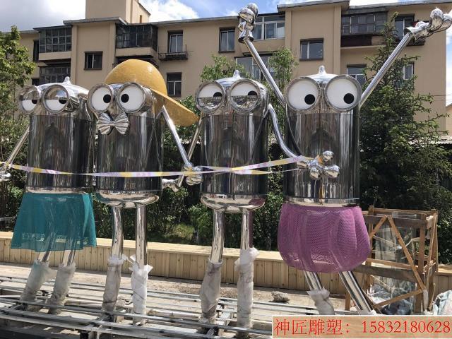 不锈钢小黄人雕塑,街景创意雕塑 (1)