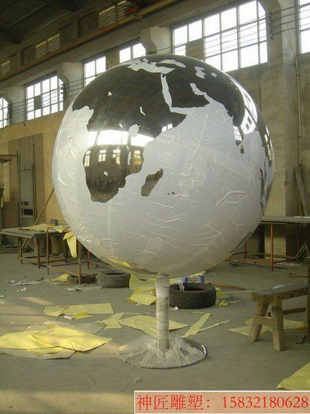 不锈钢原色地球仪雕塑